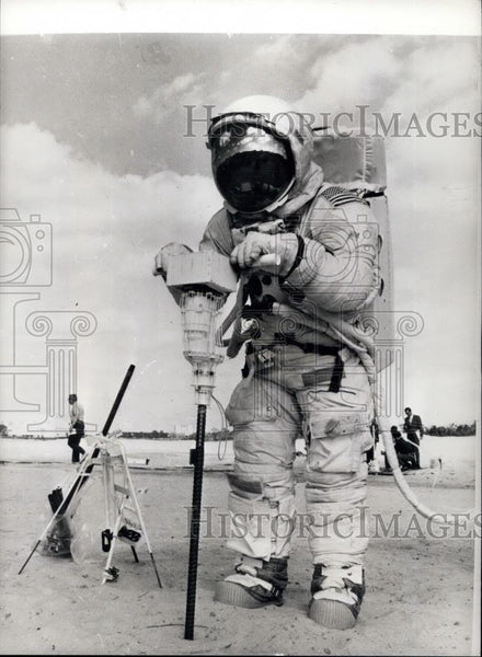 1971 Press Photo Apollo 16 Lunar Module Pilot Charles Duke - Historic Images