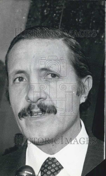 Press Photo Jose Andres De Oteyza Minister Heritage Industrial Development - Historic Images