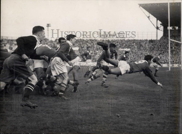 1954 Press Photo Rugby: France Beats Ireland 8 - 0 At Colombes (Paris - Historic Images