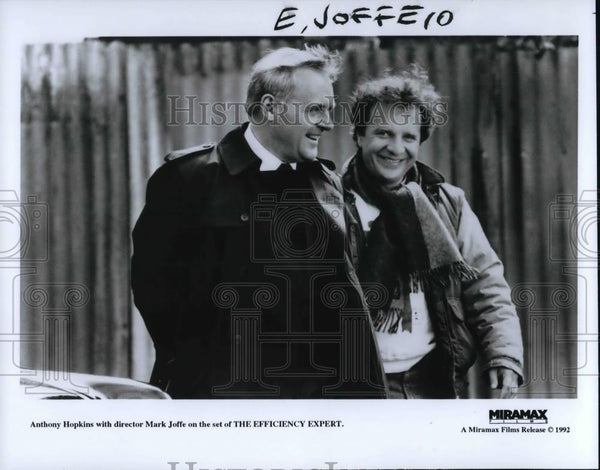 1992 Press Photo Anthony Hopkins & Director Mark Joffe The Efficiency Expert - Historic Images