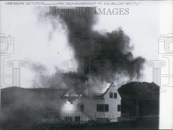 1973 Press Photo Eruption, Helgafell Volcano, Iceland - Historic Images