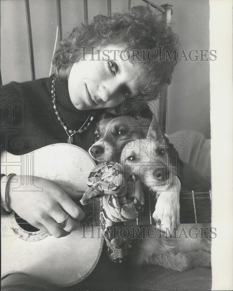 Press Photo Actress Charlotte Cornwell and her pets,dogs and a snake - Historic Images