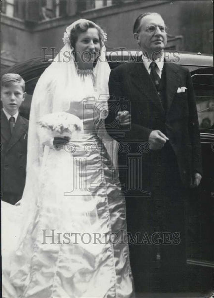 1947 Press Photo Anna Maria de Gasperi with her Father on her Wedding Day - Historic Images
