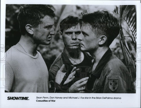 1990 Press Photo Sean Penn, Michael J Fox & Don Harvey in Casualties of War - Historic Images