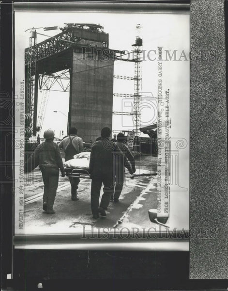 1970 Press Photo 20 Dead In Bridge Collapse In Australia - Historic Images