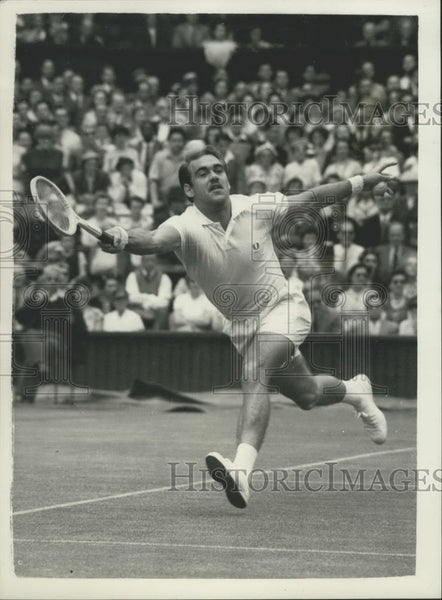 1956 Press Photo Kurt Nielson of Denmark In Play At Wimbledon - Historic Images