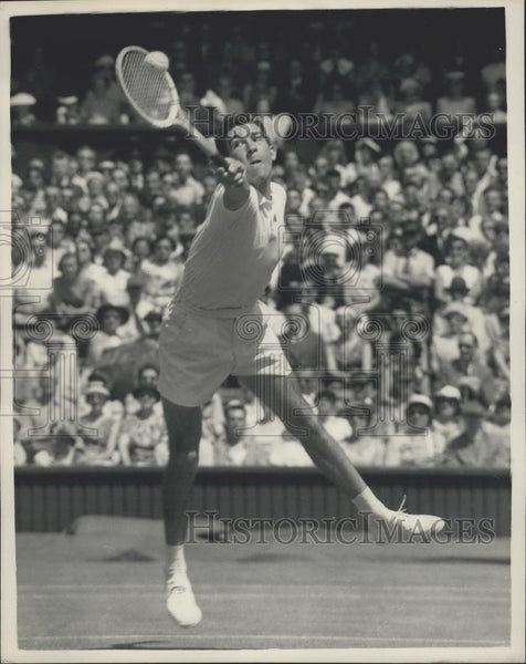 1957 Press Photo Tennis At Wimbledon,M.G. Davies seen in action - Historic Images
