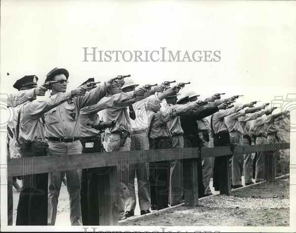 1938 Press Photo Marksmen from the Treasury Department's 8th Law Enforcement - Historic Images