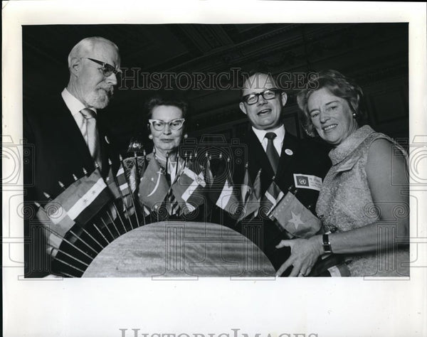 1970 Press Photo Prof & Mrs Karrlin Capper-Johnson, D Uppendahl, Mrs Thornton - Historic Images