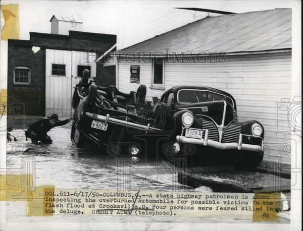 1950 Press Photo Columbus Ohio flash floods overturn cars & kill 4 people - Historic Images