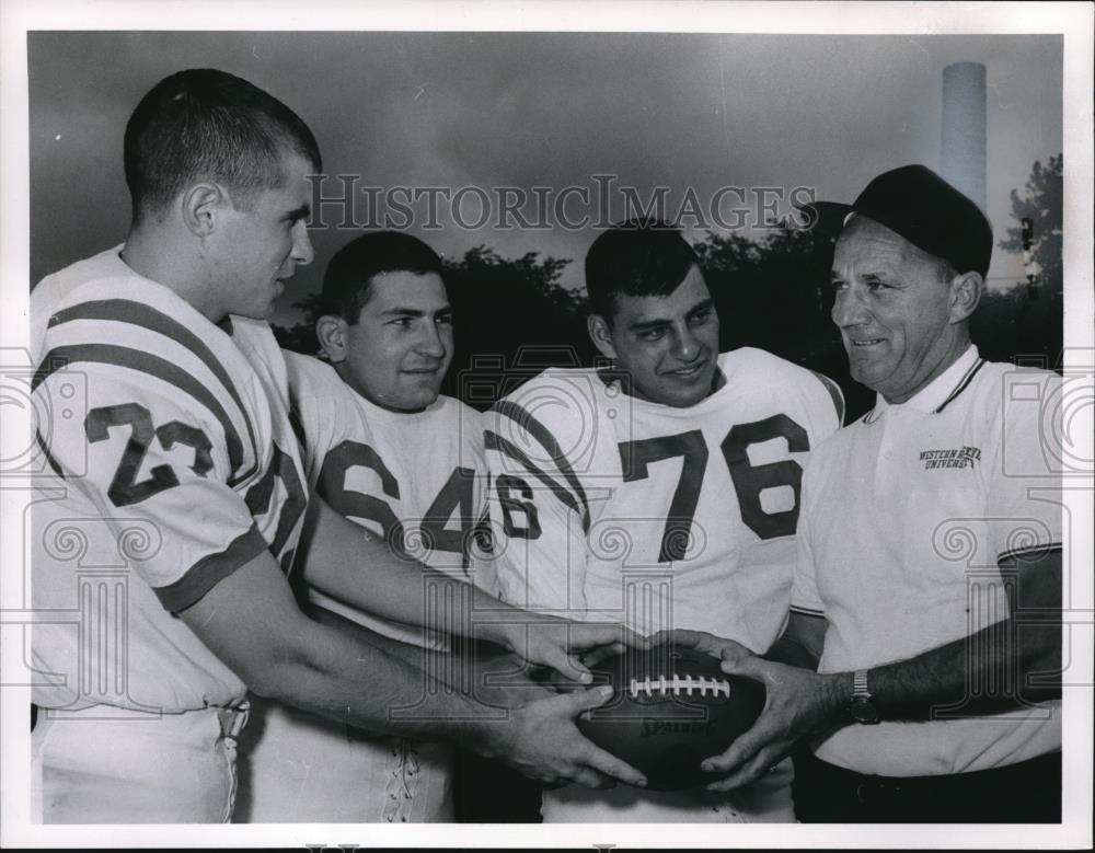 1964 Press Photo Western Reserve University Football Players McLaughlin Gordon - Historic Images