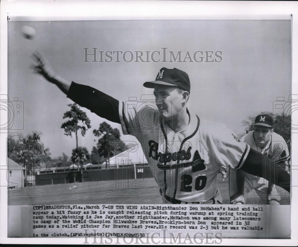 1958 Press Photo Righthander Don McMahon hand and ball appear a bit fuzzy - Historic Images