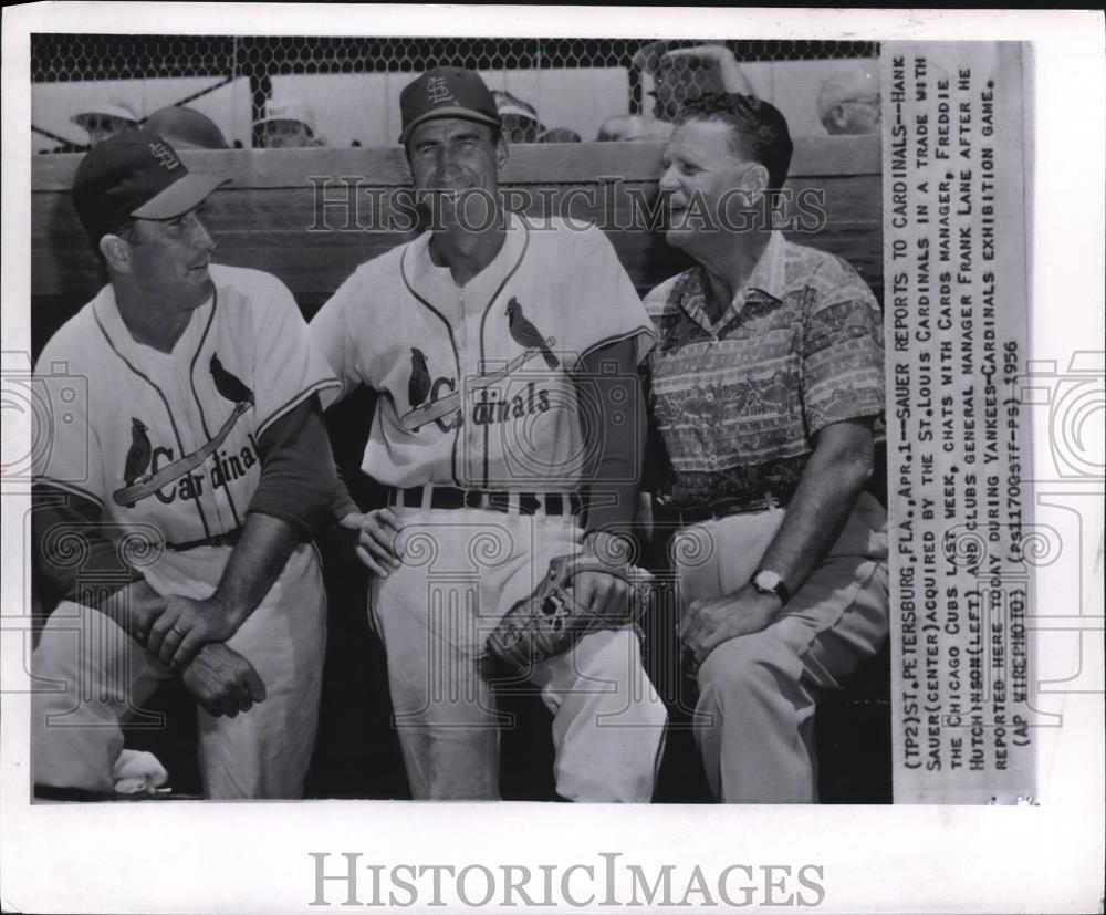 1956 Press Photo Sauer Reports To Cardinals - Historic Images