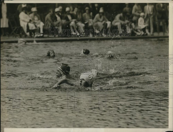 1929 Press Photo Priscilla St George in swim race at Tuxedo Park NY - Historic Images