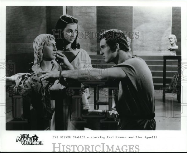 1986 Press Photo Paul Newman and Pier Agnelli star in The Silver Chalice - Historic Images