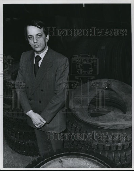 Press Photo TV5 News & Public Affairs Director Fred Griffith - cvp58072 - Historic Images