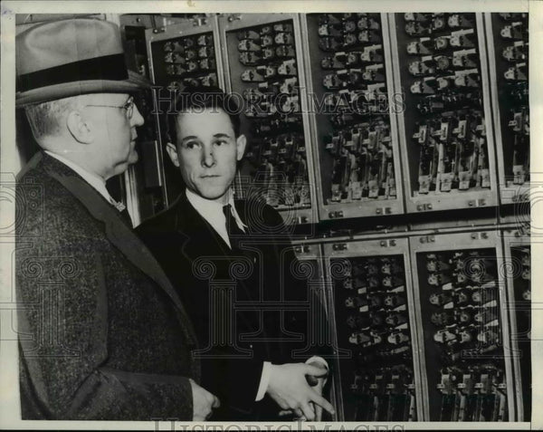 1938 Press Photo Pari Mutuel machines at Santa Anita track, AJ Johnston, M Shaw - Historic Images