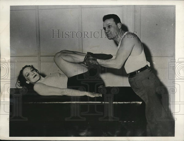 1931 Press Photo Boxer Charley White & student at his Chicago gym - nes26351 - Historic Images