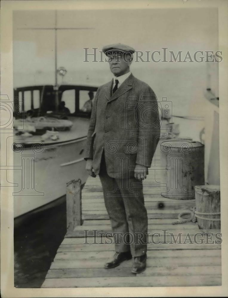1923 Press Photo MM Belding of NYC silk manufacturer - Historic Images