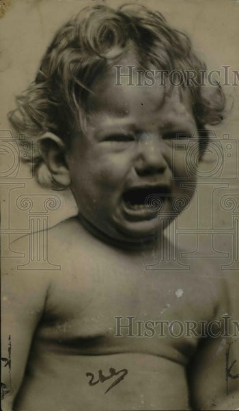 1925 Press Photo Baby Crying - Historic Images