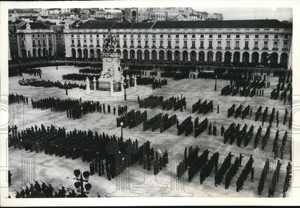 1941 Press Photo Portugal Celebrates Nations Revolution Day - Historic Images