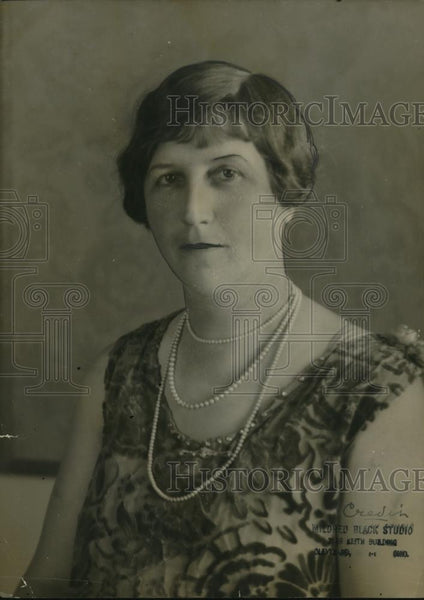 1921 Press Photo Mrs. Charles Izard - Historic Images