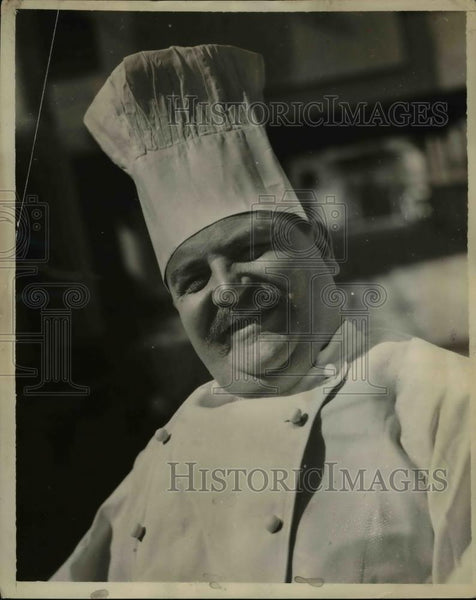 1930 Press Photo Chef Paul Germraine Gained 100 pounds on his Own Cooking - Historic Images