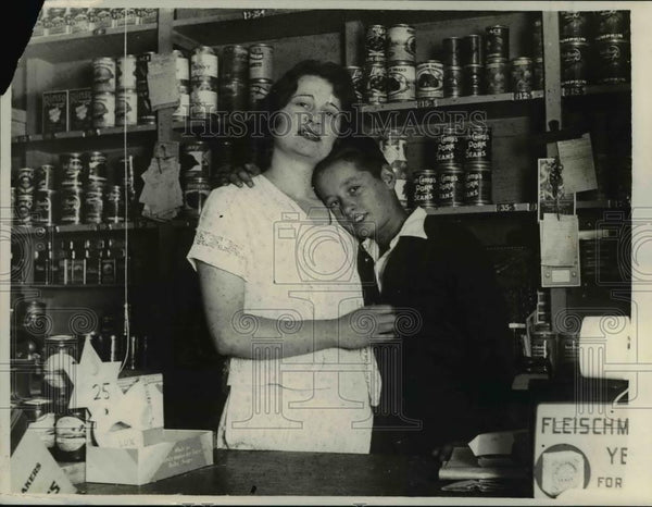 1929 Press Photo Mrs Antoinette DePola Oakland Calif in her grocery - nee15434 - Historic Images