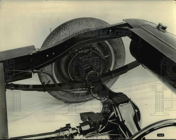 1926 Press Photo The moon chassis end showing differential housing& Hydraulic - Historic Images