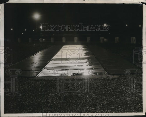 1931 Press Photo Flood lighting in sidewalks at Arc de Triomphe in Paris France - Historic Images
