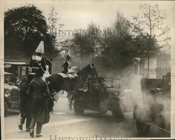 1926 Press Photo England general strike, Kings Horse Guard @ Whitehall Palace - Historic Images