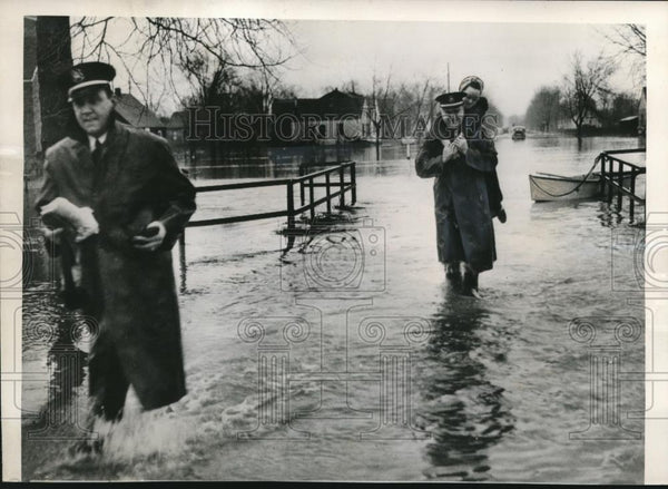 1950 Press Photo Dearborn Michigan Floods After 2 Days of Torrential Rains - Historic Images