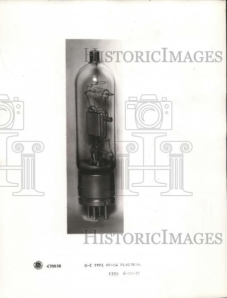 1932 Press Photo Close up of vaccum tube - Historic Images