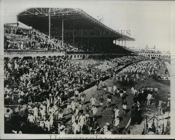 1933 Press Photo Athletetes at Barcelona Spain relays in stadium - nes27843 - Historic Images