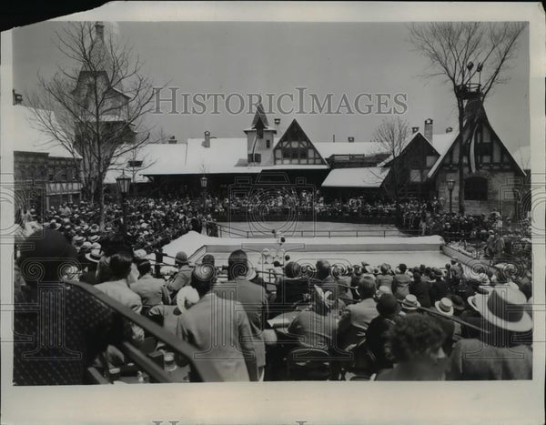 1934 Press Photo Town square of German Black Forest Village World Fair Chicago - Historic Images