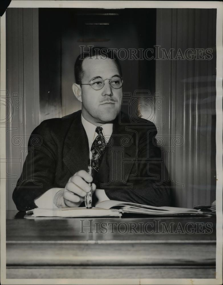 1941 Press Photo W.R. Ringer,examiner for the Ford Motor and CIO-UAW hearing - Historic Images