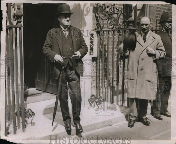 1926 Press Photo A Baldwin Prime Minister at 10 Downing Street London - Historic Images