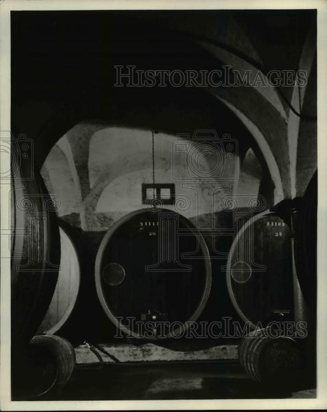 1936 Press Photo Champagne Cellar, Wine Company St Louis - Historic Images