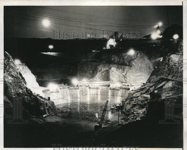 1938 Press Photo Parken Dam construction work at night in Ariz - Historic Images
