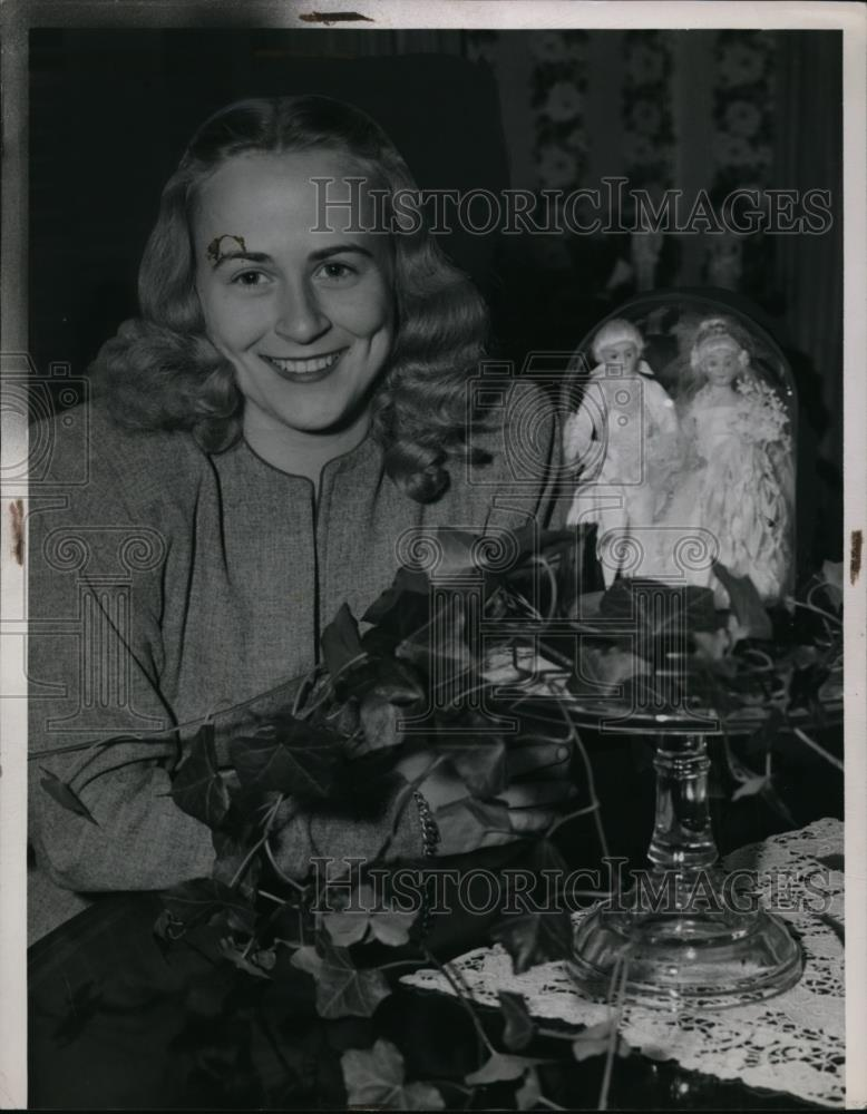 1946 Press Photo Allina Foster with Decorations and Figurines - nee48365 - Historic Images