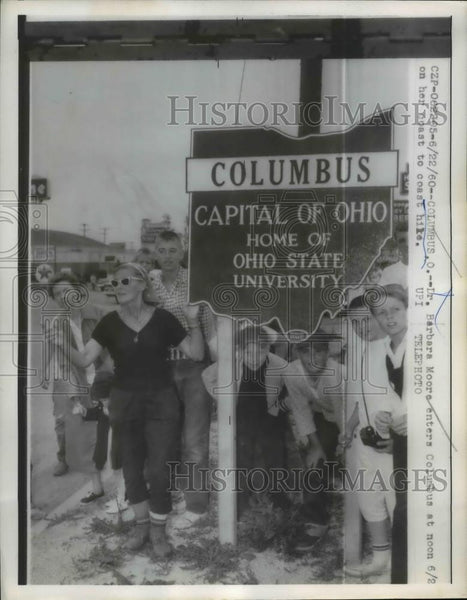 1960 Press Photo Dr Barbara Moore Hiker Entering Columbus Her Coast to Coast - Historic Images