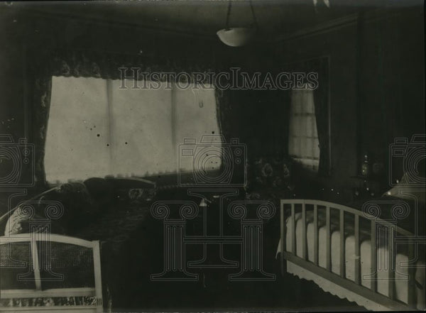 1922 Press Photo Bedroom in Brandeis Love Nest - nee56555 - Historic Images