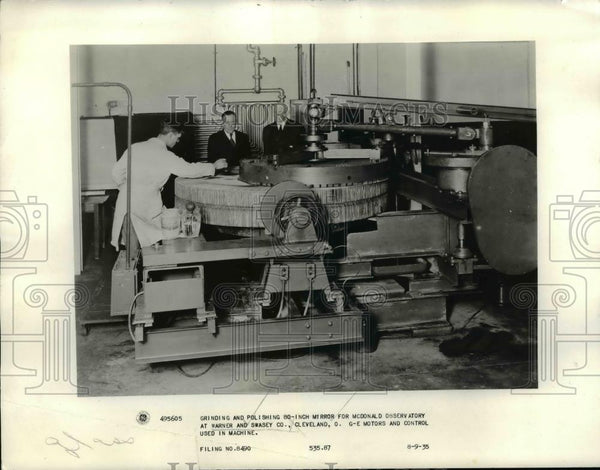 1935 Press Photo Grinding & Polishing 80 Inch Mirror for McDonald Observatory - Historic Images