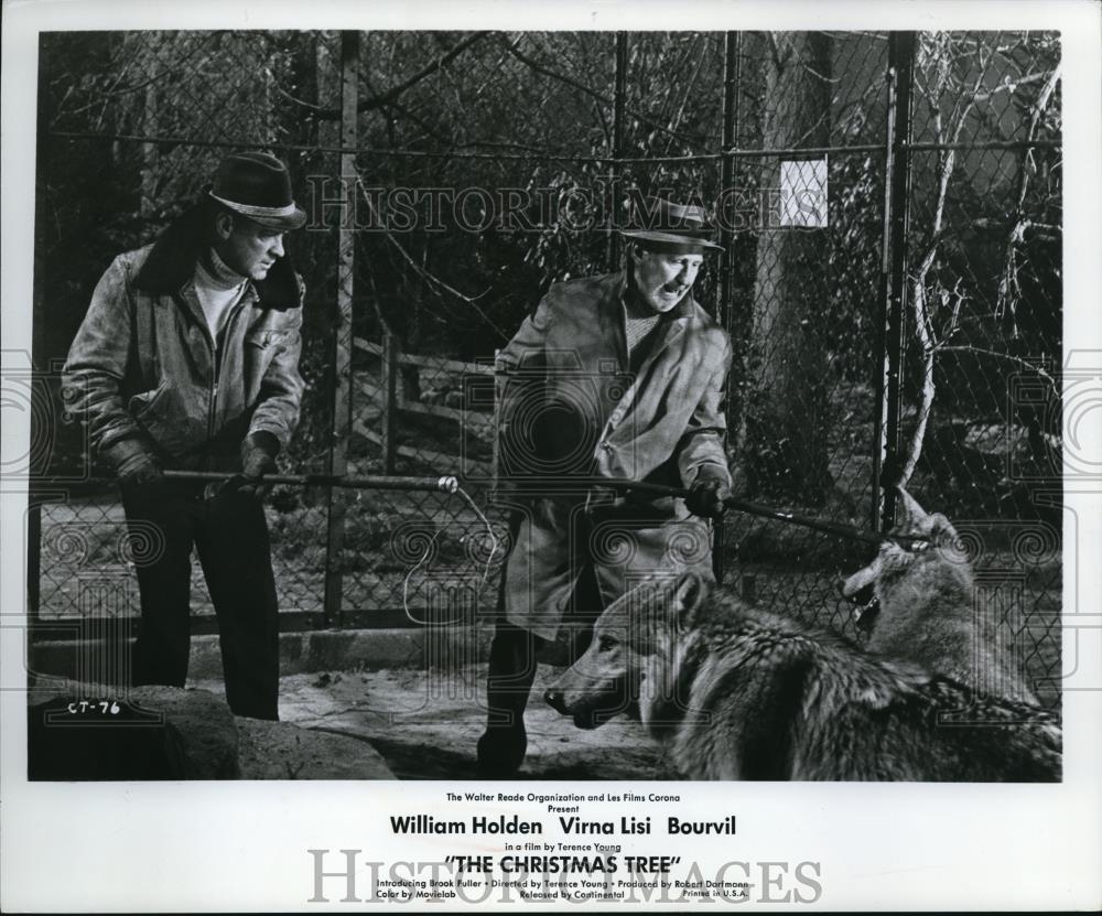 1970 Press Photo William Holden And Bourvil Star In The Christmas
