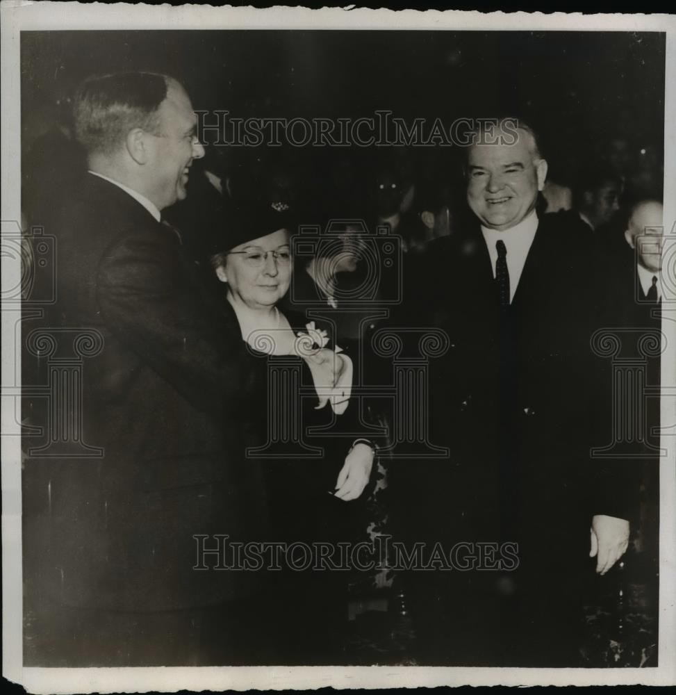 1938 Press Photo President Herbert Hoover Greets Governor Raymond E. Baldwin - Historic Images