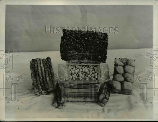 1932 Press Photo Summer Vegetables Srved Frequently Spinach, Asparagus, Rhubarb - Historic Images