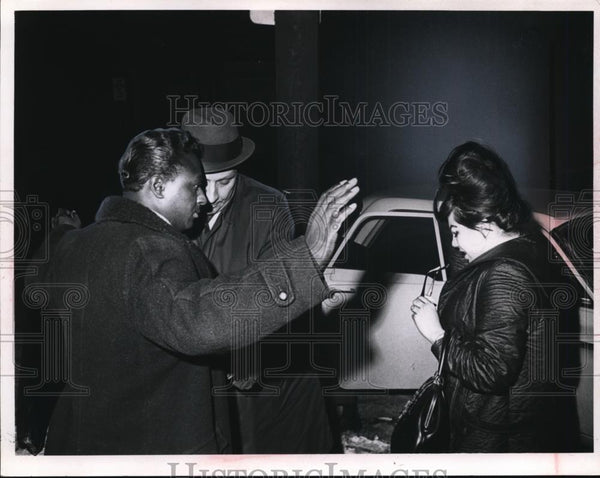 Press Photo Lt. Fred Couisino And Police Grean Berek - nee83440 - Historic Images