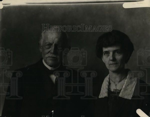 1921 Press Photo Dr & Mrs George Harding - nee86941 - Historic Images