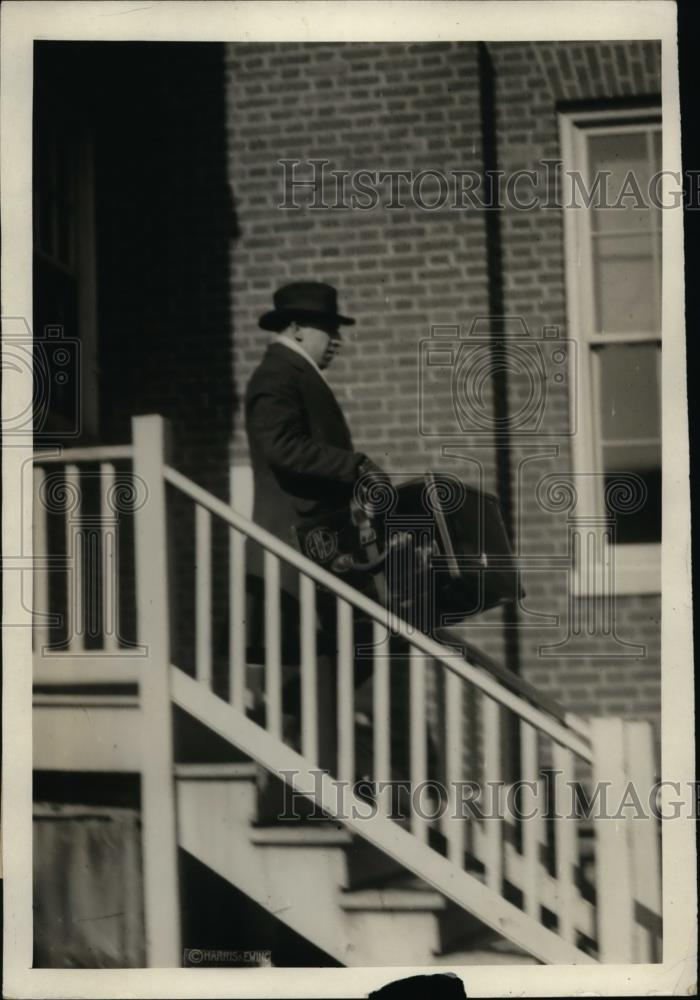 1921 Press Photo Frank Blaxckston Harding family chauffer at President's home - Historic Images