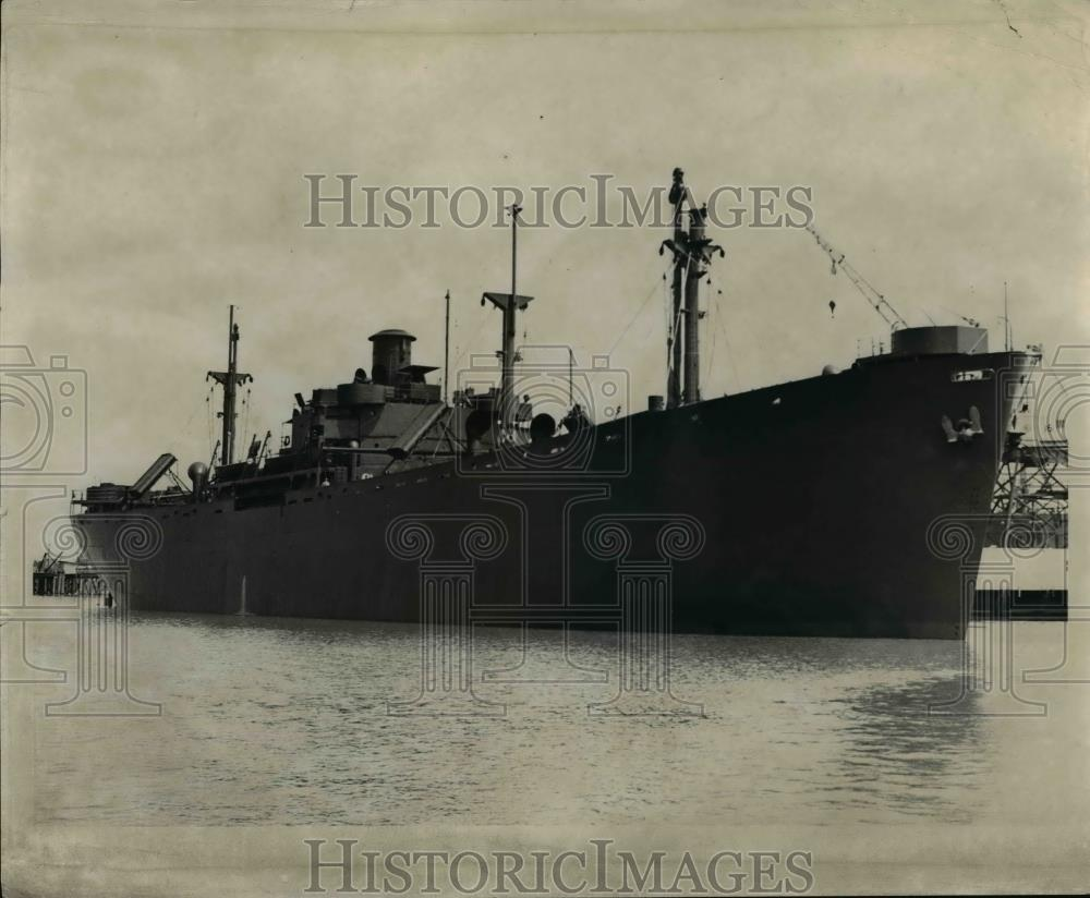 1942 Press Photo Thomas Bailey Aldrich at the Oregon Shipbuilding Corp - Historic Images